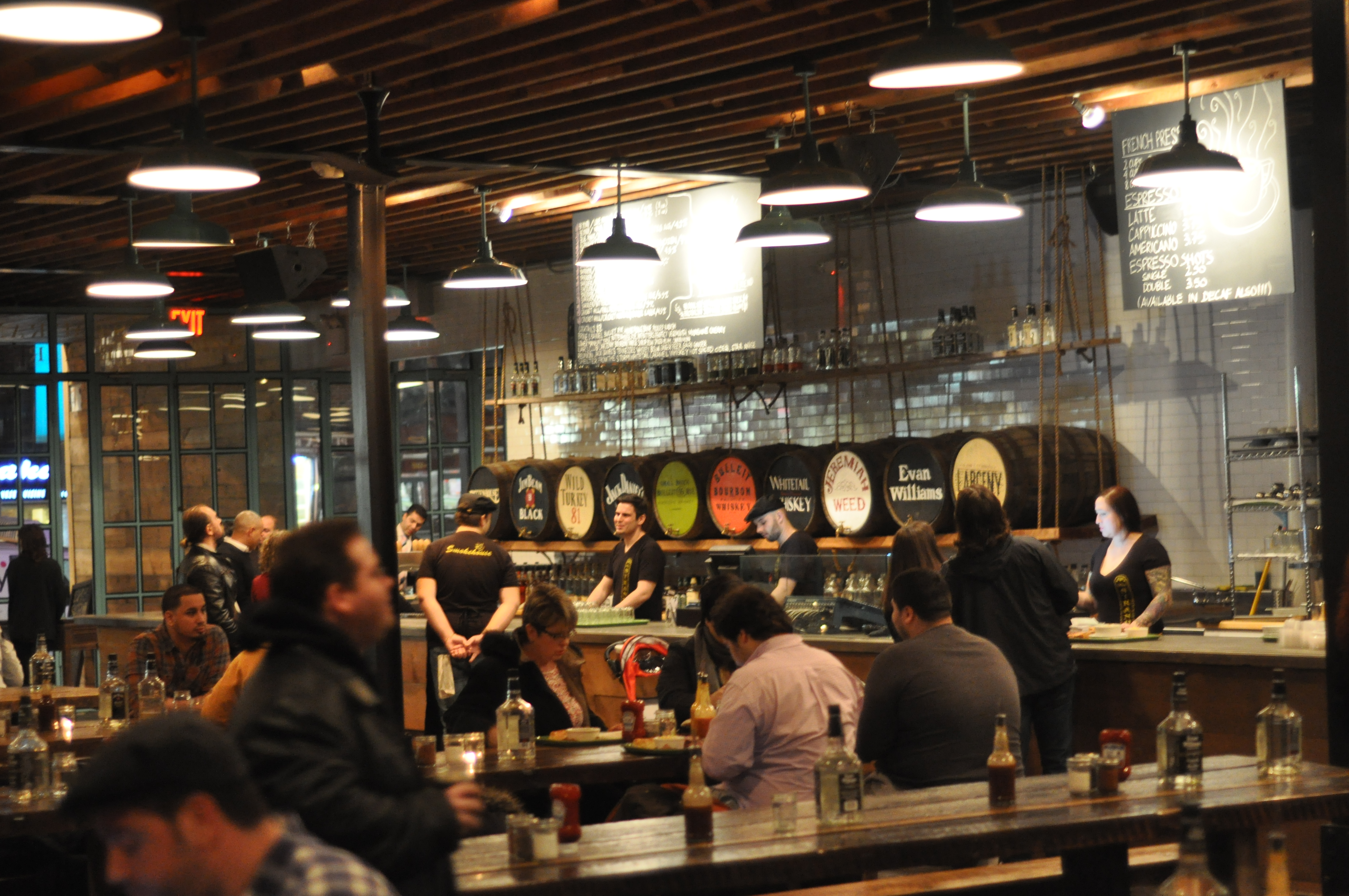 Strand Smokehouse Opens in Astoria | Grapes and Grains